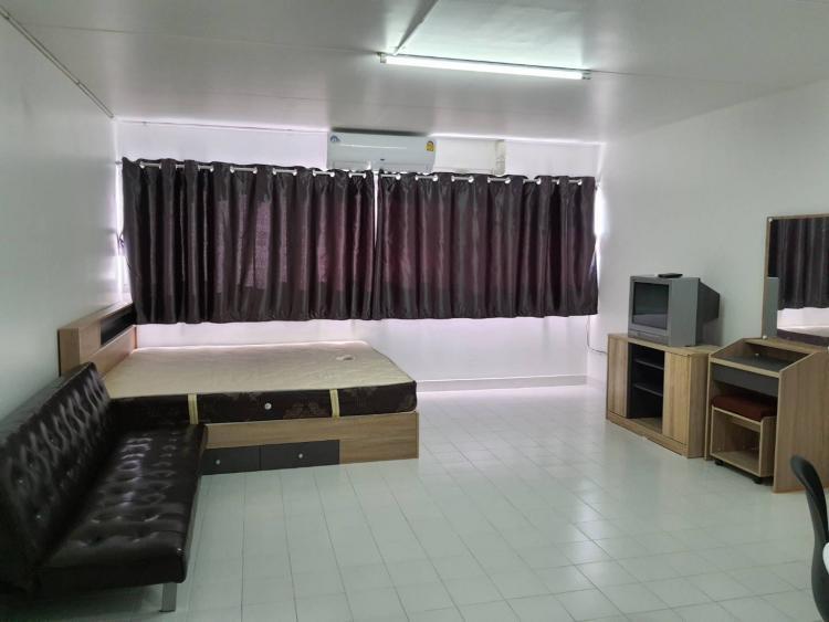 ให้เช่าห้อง   ข้างห้องมุม อาคาร C6 ชั้น 13