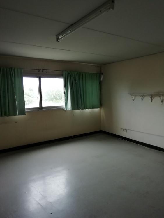 ให้เช่าห้อง   ห้องขนาดกลางด้านนอก อาคาร T1 ชั้น 9