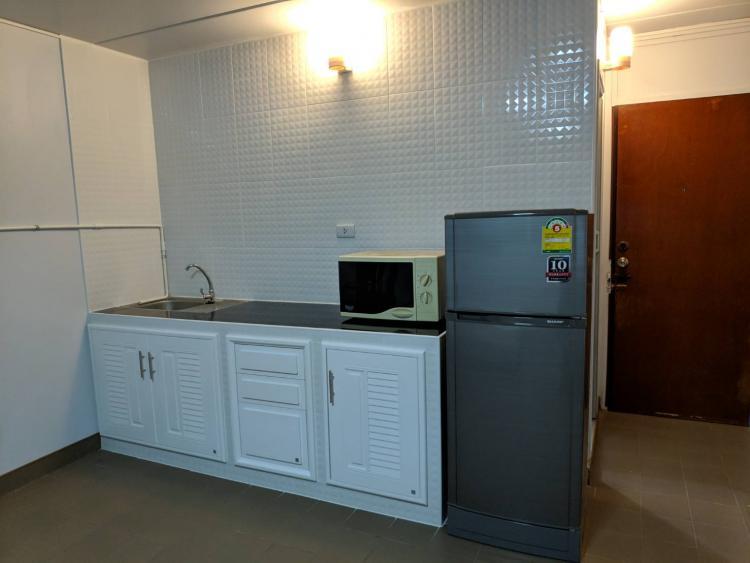 ให้เช่าห้อง   ห้องเล็กด้านนอก อาคาร T5 ชั้น 4