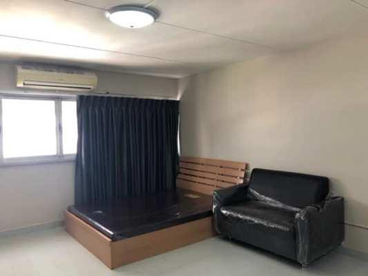 ให้เช่าห้อง   ห้องเล็กด้านนอก อาคาร C1 ชั้น 2