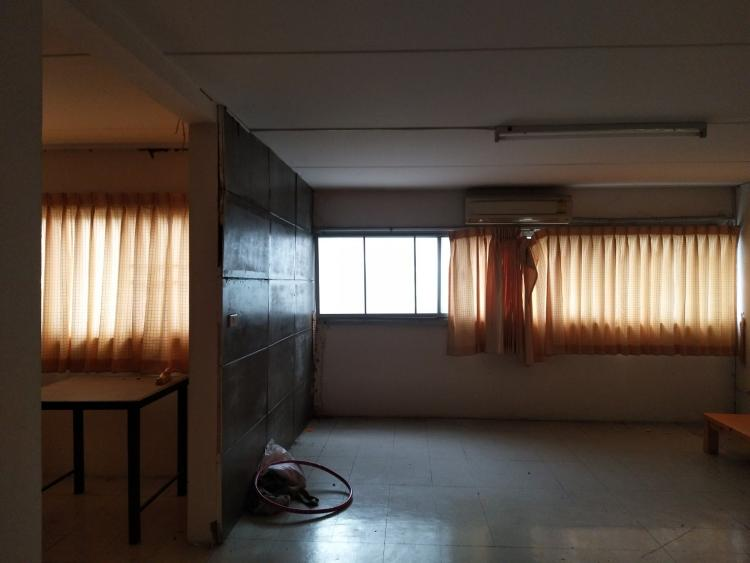ขายห้อง ห้องขนาดกลางด้านนอก อาคาร C7 ชั้น 3