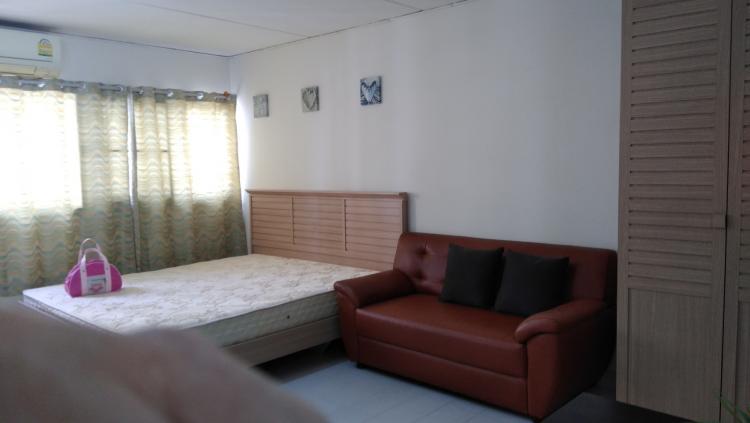 ให้เช่าห้อง   ห้องเล็กด้านนอก อาคาร C6 ชั้น 8