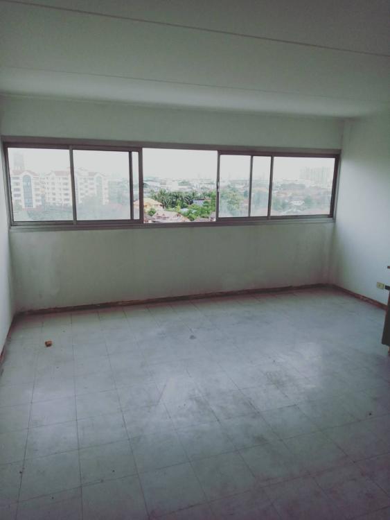 ขายห้อง ห้องขนาดกลางด้านนอก อาคาร C9 ชั้น 11