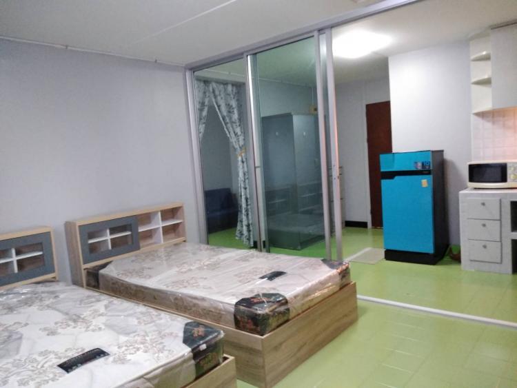 ให้เช่าห้อง   ห้องขนาดกลางด้านนอก อาคาร C5 ชั้น 6