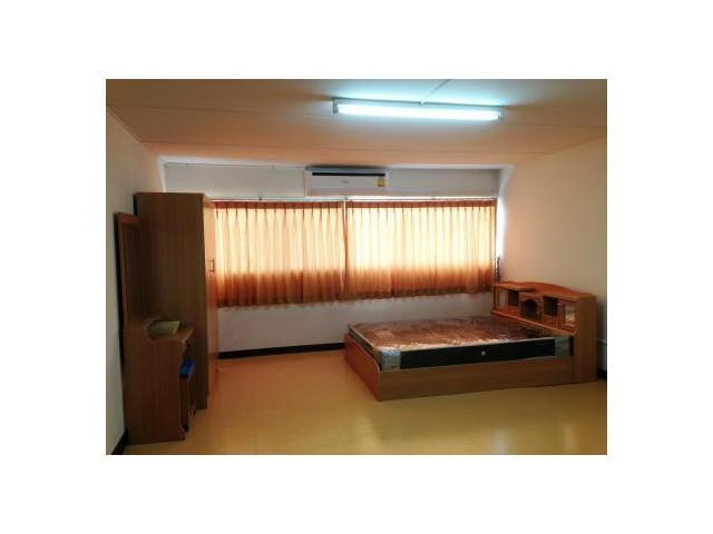 ให้เช่าห้อง   ห้องเล็กด้านนอก อาคาร C2 ชั้น 5