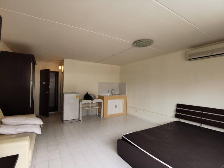 ให้เช่าห้อง   ห้องเล็กด้านนอก อาคาร T9 ชั้น 2
