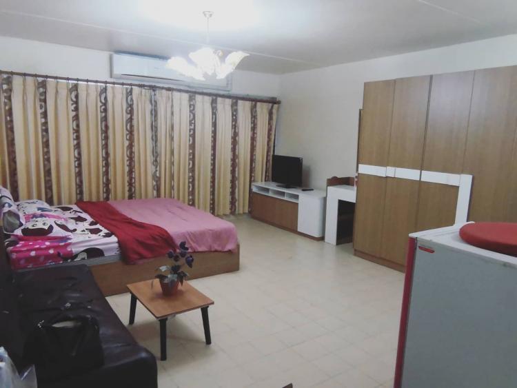 ให้เช่าห้อง   ห้องเล็กด้านใน อาคาร C3 ชั้น 2