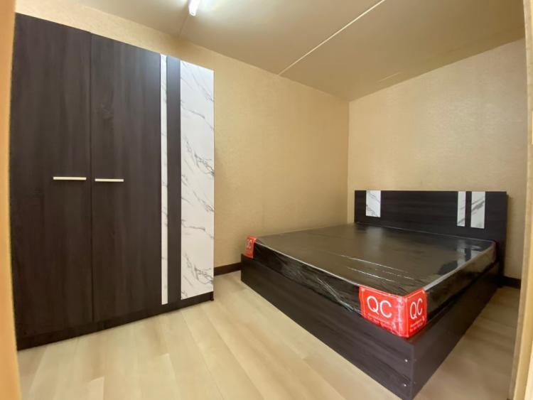ให้เช่าห้อง   ห้องขนาดกลางด้านนอก อาคาร T10 ชั้น 2