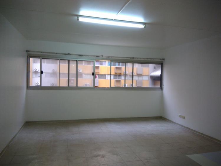 ให้เช่าห้อง   ห้องเล็กด้านนอก อาคาร C9 ชั้น 6