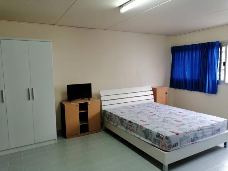 ให้เช่าห้อง   ห้องเล็กด้านนอก อาคาร C8 ชั้น 9