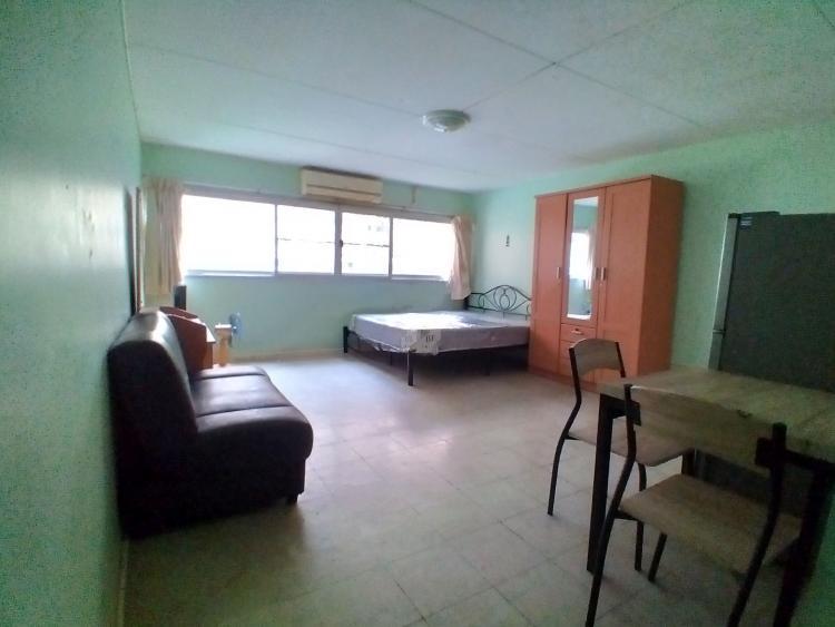 ให้เช่าห้อง   ห้องเล็กด้านใน อาคาร C7 ชั้น 3