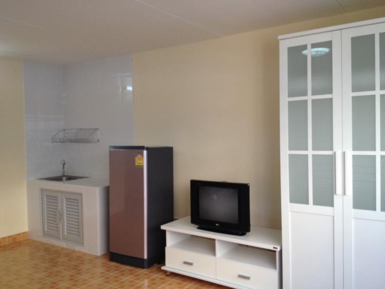 ให้เช่าห้อง   ห้องเล็กด้านนอก อาคาร C1 ชั้น 8